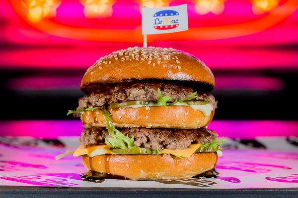 Le Bun Birthdays Launch (Free Burgers & Beers)